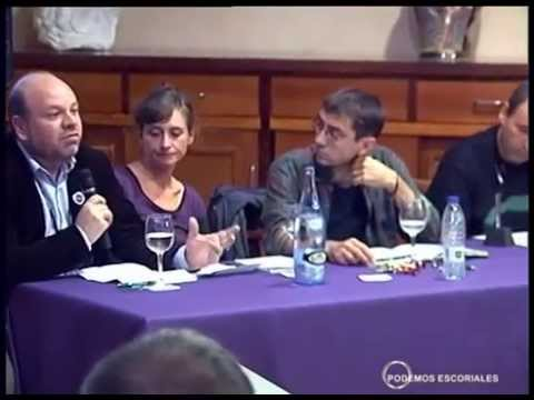 Esteban Tettamantii, con Juan Carlos Monedero en un acto de Podemos en San Lorenzo